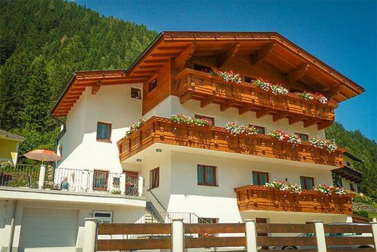 Haus-Sommer - Pension am Rain - Apartments - Zimmer mit Frühstück - Bed and Breakfast - Neustift - Stubaital